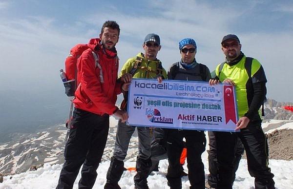 Kocaeli Bilişim Ekibi 3000 mt'de Zirvedeydi.
